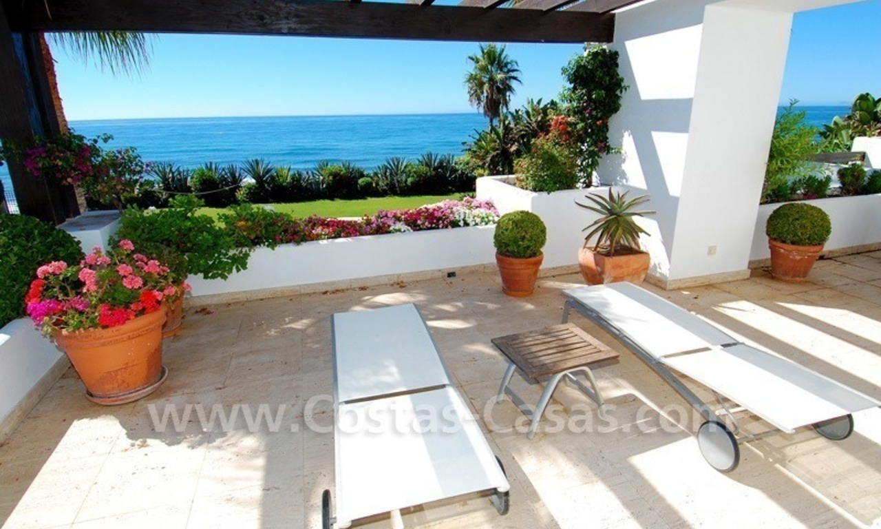 Exclusive frontline beach villa for sale, Marbella - Estepona 23