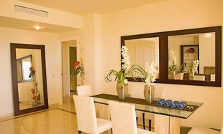 Frontline beach garden apartment for sale in Cabopino, Marbella 9