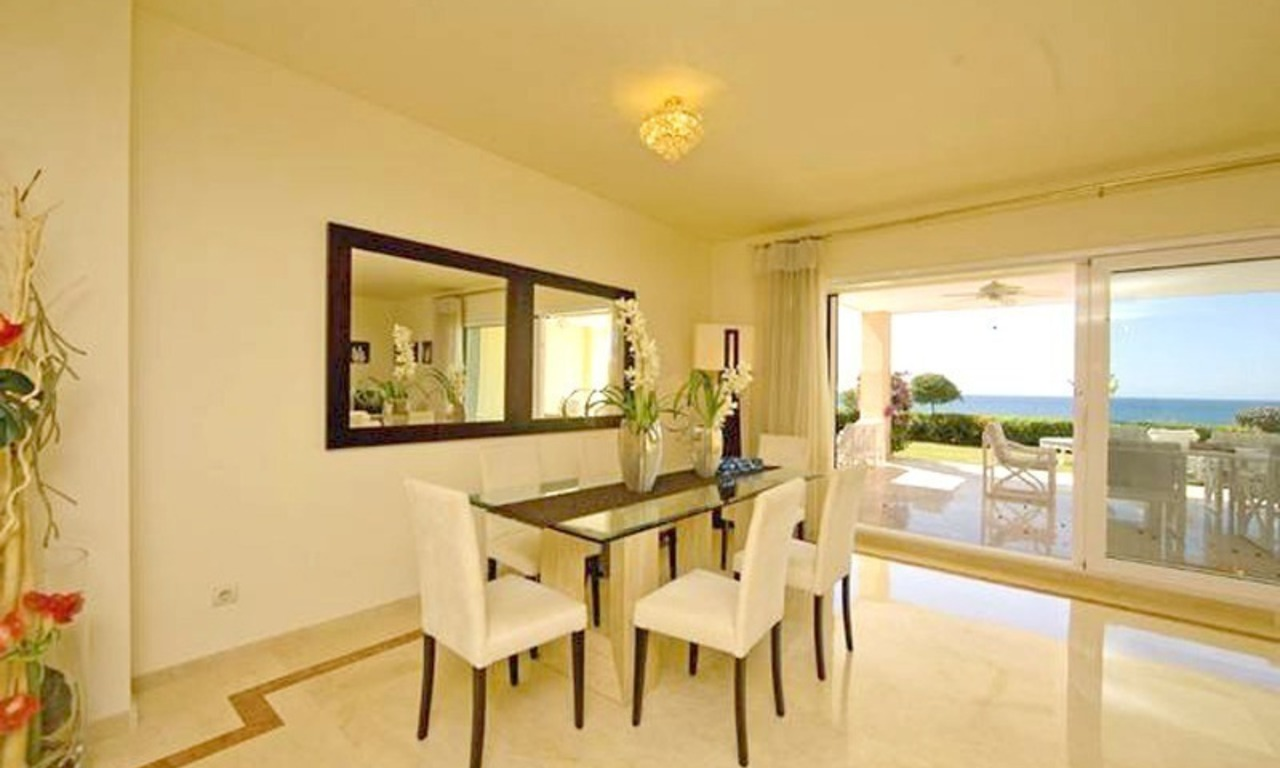 Frontline beach garden apartment for sale in Cabopino, Marbella 10