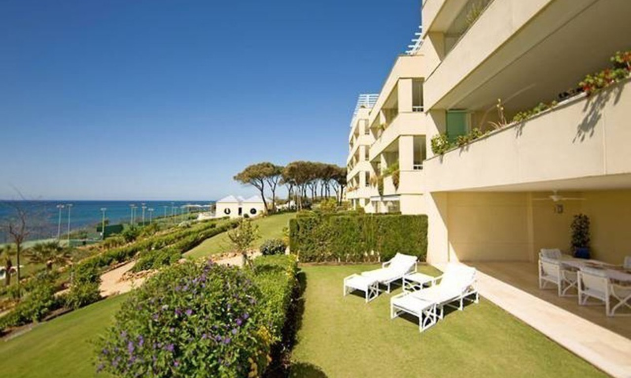 Frontline beach garden apartment for sale in Cabopino, Marbella 5