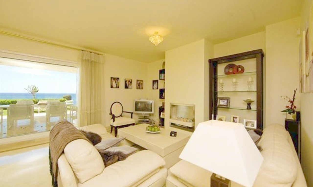 Frontline beach garden apartment for sale in Cabopino, Marbella 8