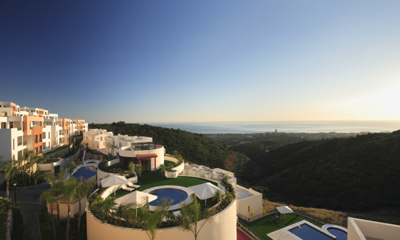 Luxury modern apartments for sale in Marbella with spectacular sea views 16