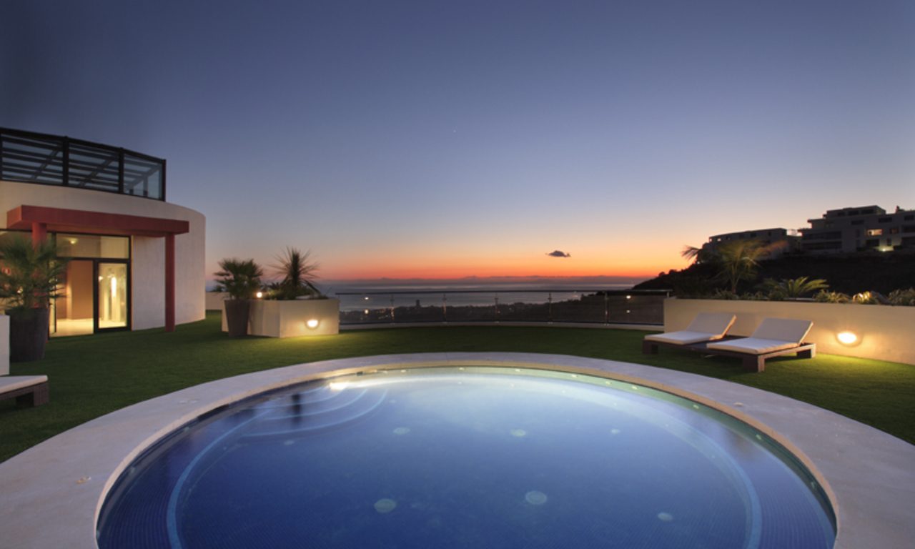 Luxury modern apartments for sale in Marbella with spectacular sea views 17
