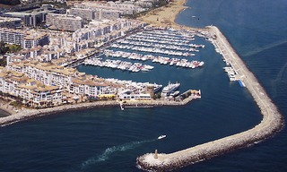 Commercial property for rent in the port of Puerto Banus in Marbella 0