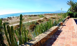 Beachfront exclusive villa for sale, frontline beach, Los Monteros - Bahia de Marbella - Marbella 2