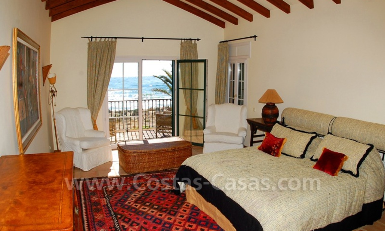 Beachfront exclusive villa for sale, frontline beach, Los Monteros - Bahia de Marbella - Marbella 12