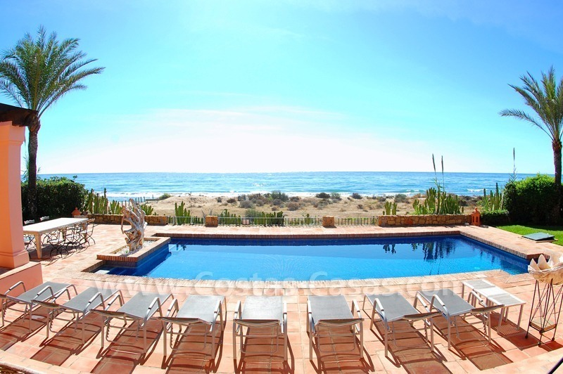 Beachfront exclusive villa for sale, frontline beach, Los Monteros - Bahia de Marbella - Marbella