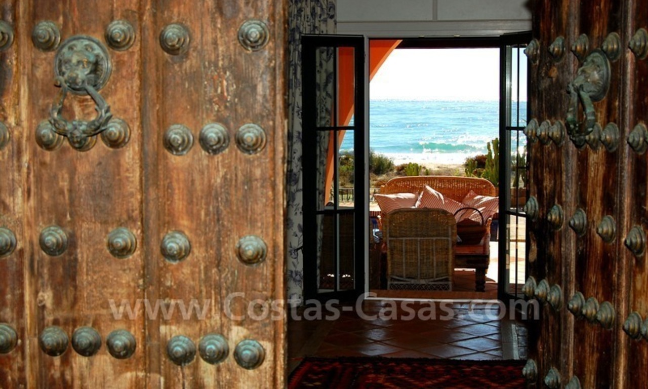 Beachfront exclusive villa for sale, frontline beach, Los Monteros - Bahia de Marbella - Marbella 7