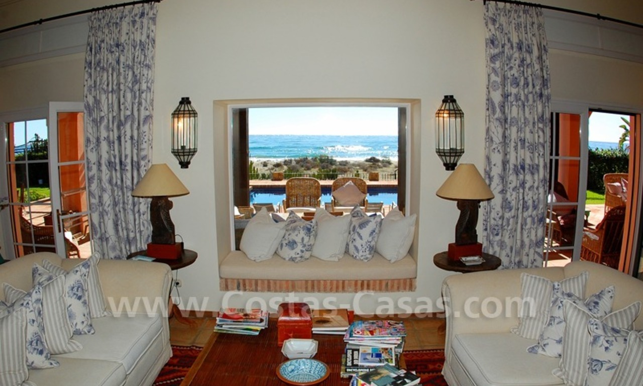 Beachfront exclusive villa for sale, frontline beach, Los Monteros - Bahia de Marbella - Marbella 8