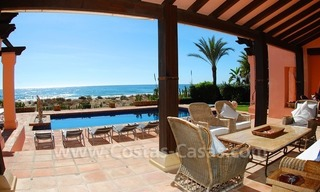 Beachfront exclusive villa for sale, frontline beach, Los Monteros - Bahia de Marbella - Marbella 10