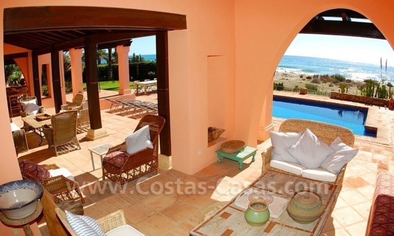 Beachfront exclusive villa for sale, frontline beach, Los Monteros - Bahia de Marbella - Marbella 11