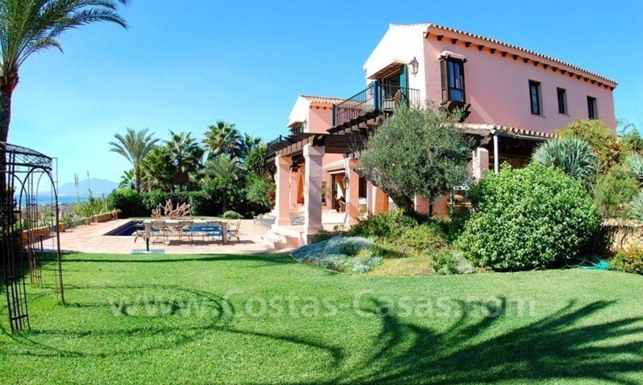 Beachfront exclusive villa for sale, frontline beach, Los Monteros - Bahia de Marbella - Marbella 6