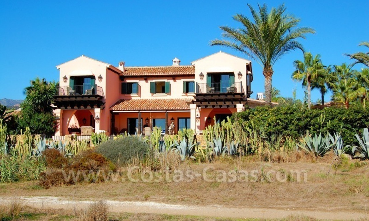 Beachfront exclusive villa for sale, frontline beach, Los Monteros - Bahia de Marbella - Marbella 16