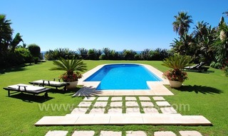Exclusive frontline beach villa for sale, Marbella - Estepona 2