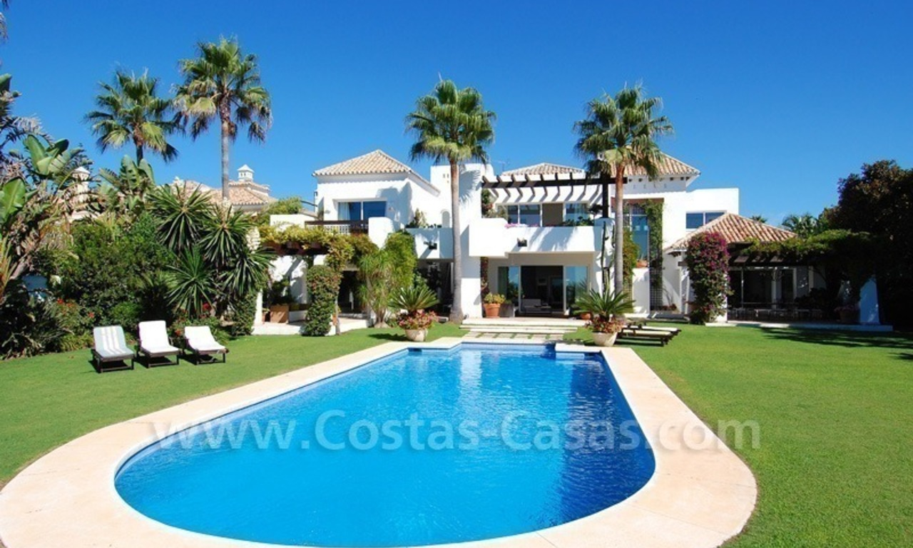 Exclusive frontline beach villa for sale, Marbella - Estepona 5
