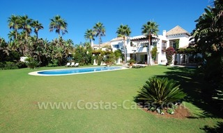 Exclusive frontline beach villa for sale, Marbella - Estepona 3