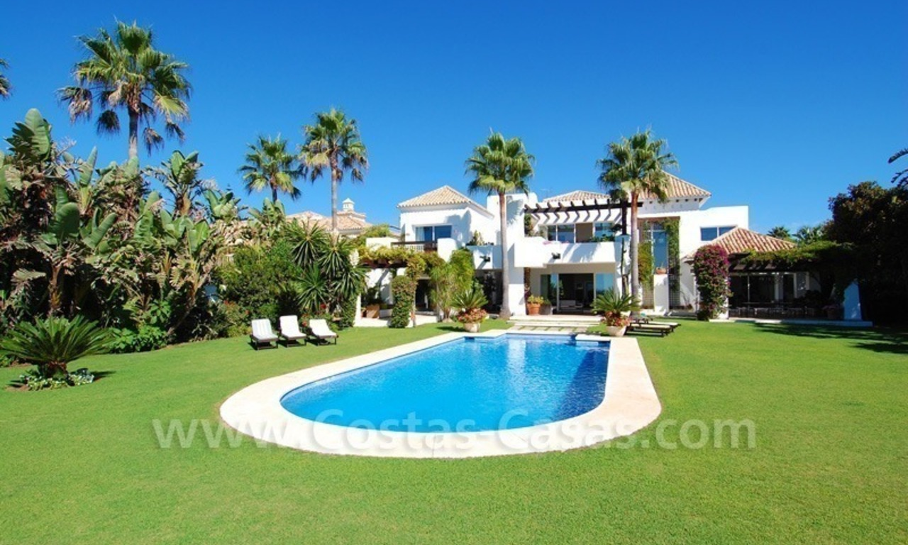 Exclusive frontline beach villa for sale, Marbella - Estepona 4