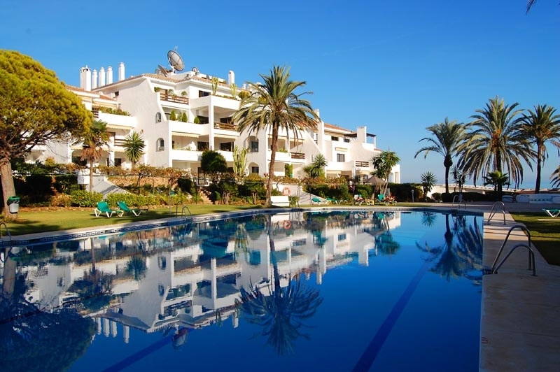 Beachfront apartment for sale - Golden Mile - Marbella