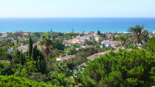 Beachside apartment for sale, Marbella East 1