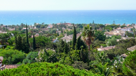 Beachside apartment for sale, Marbella East 2