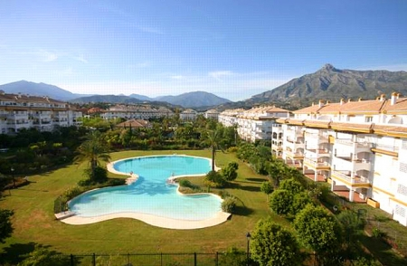 Apartment for sale walking distance from Puerto Banus, Nueva Andalucia, Marbella 2