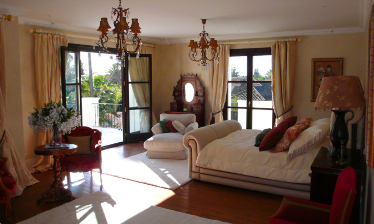 Beachside Villa, palatial property for sale, near beach, Marbella 11