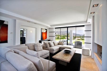 Frontline golf, contemporary villa for sale at Nueva Andalucia - Marbella 7