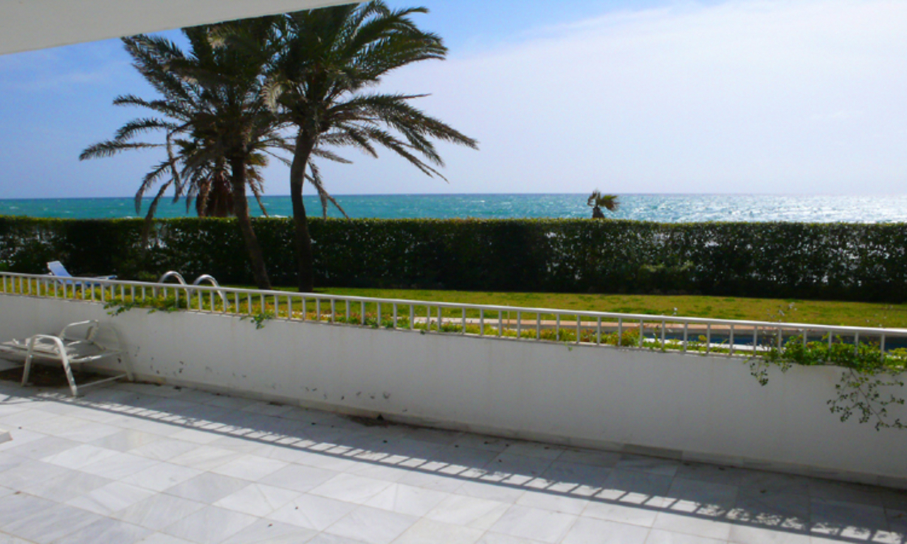 Beachfront, frontline beach apartment for sale, Golden Mile, Marbella – Puerto Banus 1