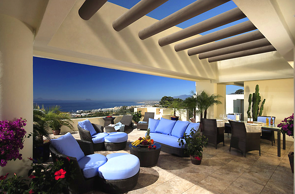 Bargain Luxury apartment for sale, Los Monteros, Marbella east