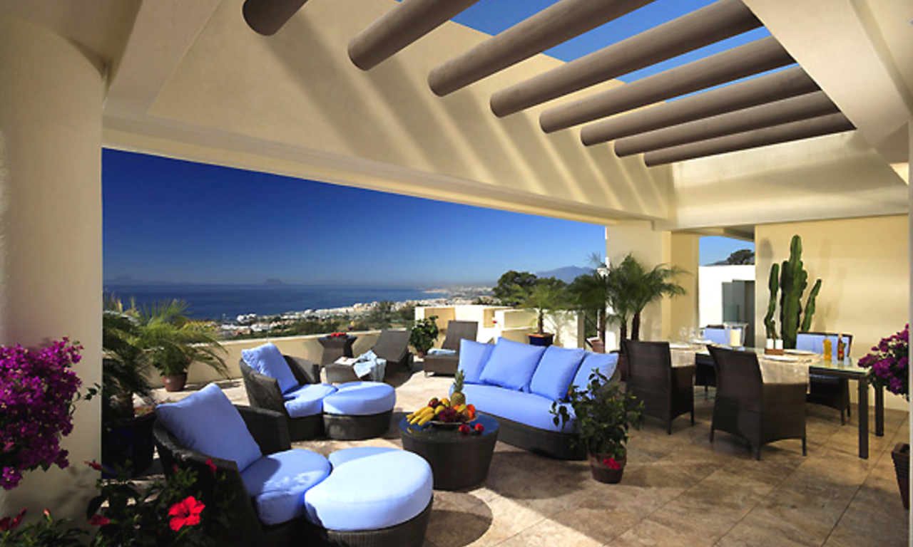 Bargain Luxury apartment for sale, Los Monteros, Marbella east 0