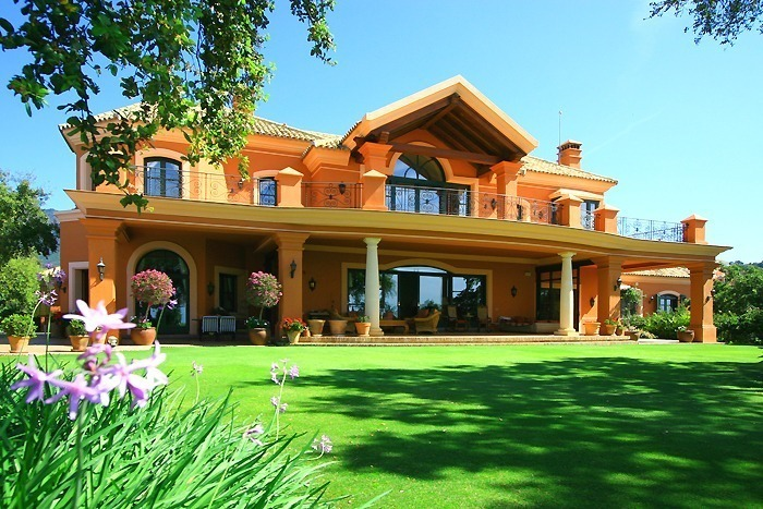 Luxury villa for sale, Gated secure golf resort, Marbella - Benahavis area, gated and secure golf resort