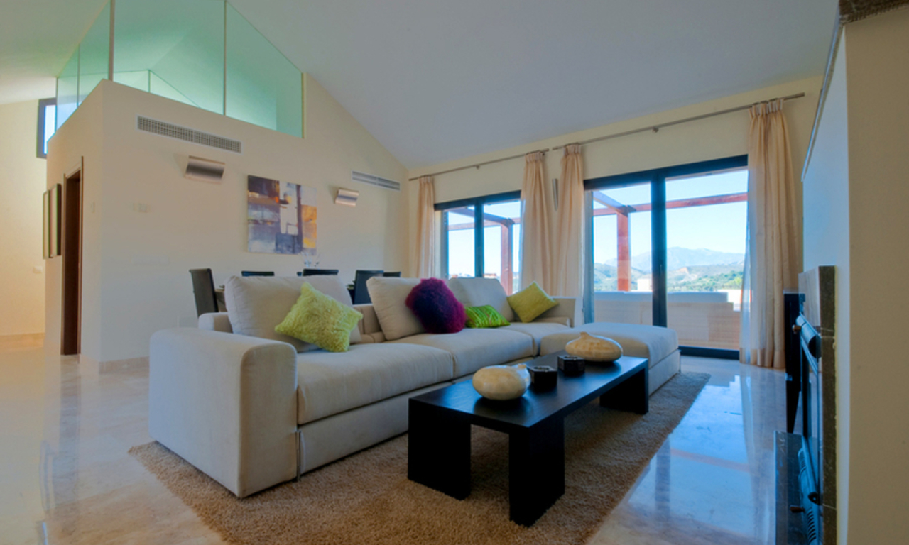 Modern houses for sale in the area of Marbella – Benahavis at the Costa del Sol 1