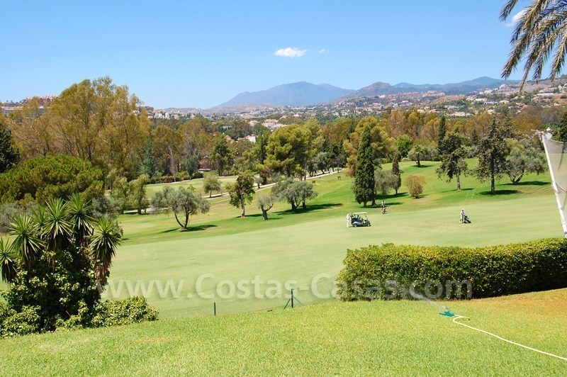 Bargain Frontline golf Townhouses for sale in Nueva Andalucia, Marbella 2