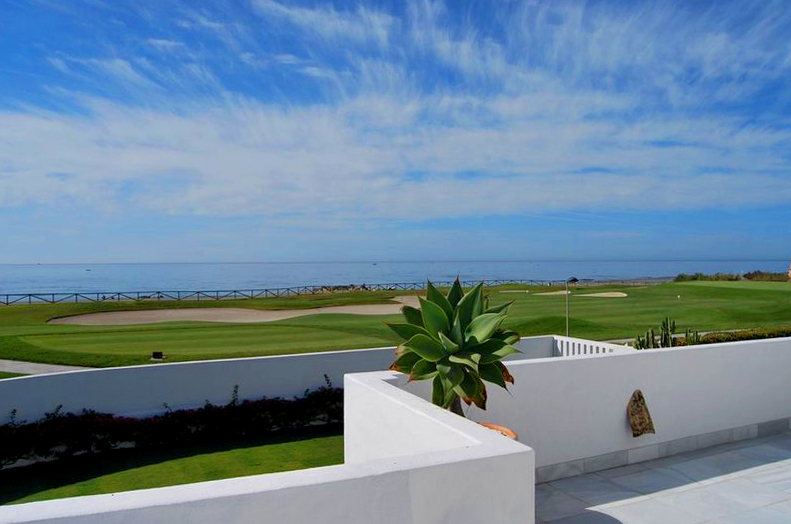 Frontline beach and front line golf villa for sale in Marbella