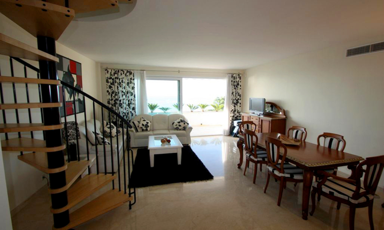 Estepona New Golden Mile for sale: beachfront penthouse 2