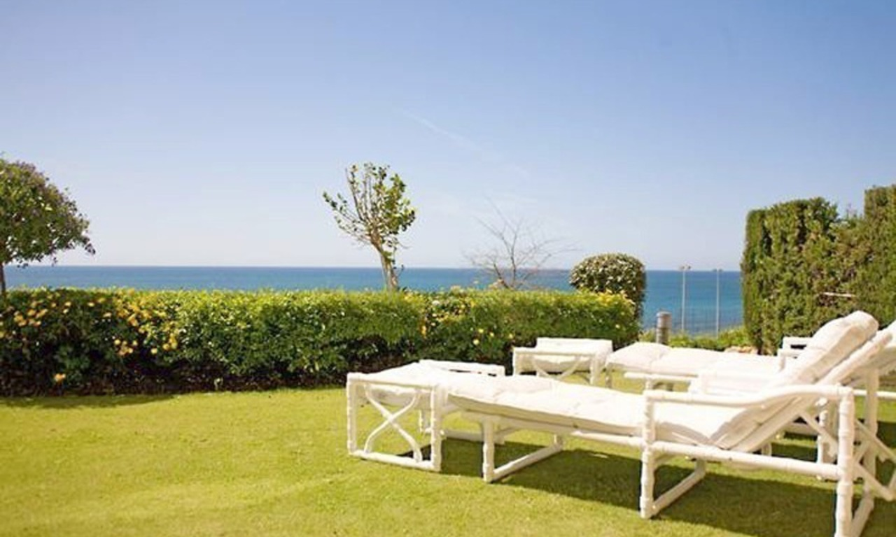Frontline beach garden apartment for sale in Cabopino, Marbella 3