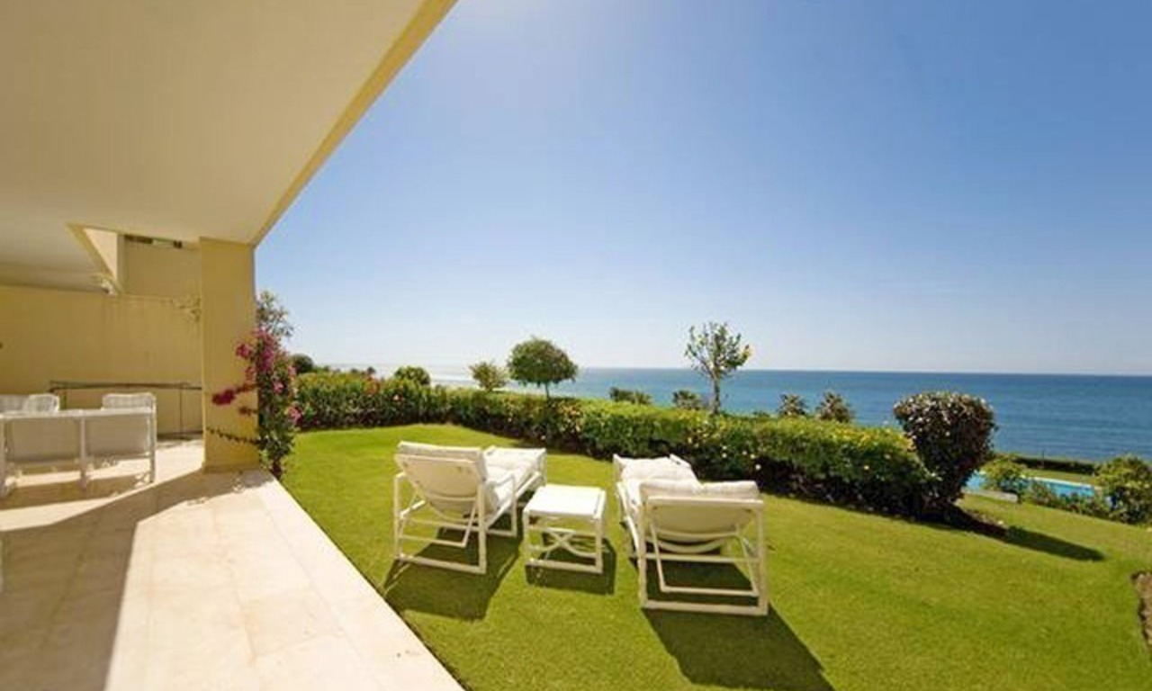 Frontline beach garden apartment for sale in Cabopino, Marbella 1