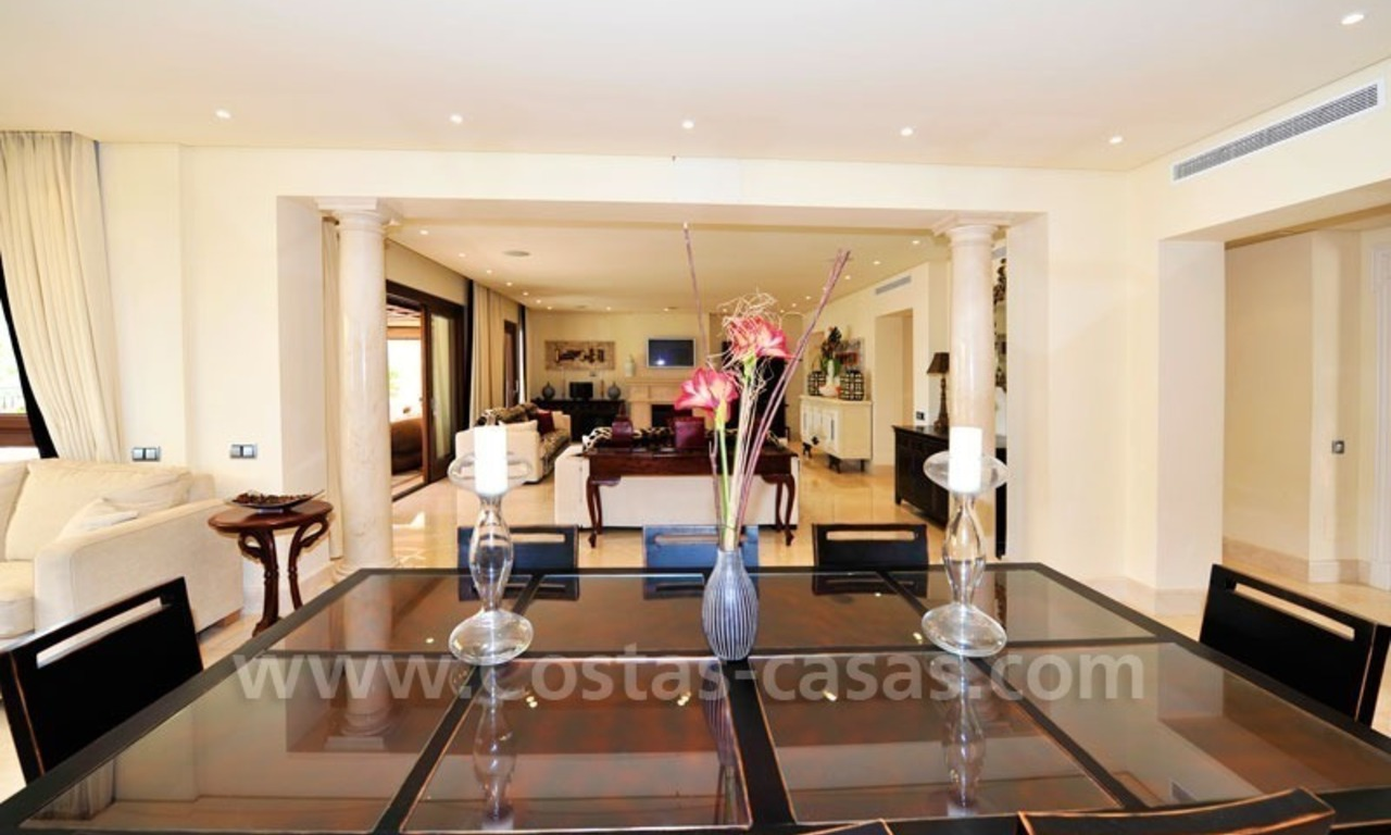 Los Monteros Playa – Marbella: exclusive frontline beach penthouse apartment for sale 14