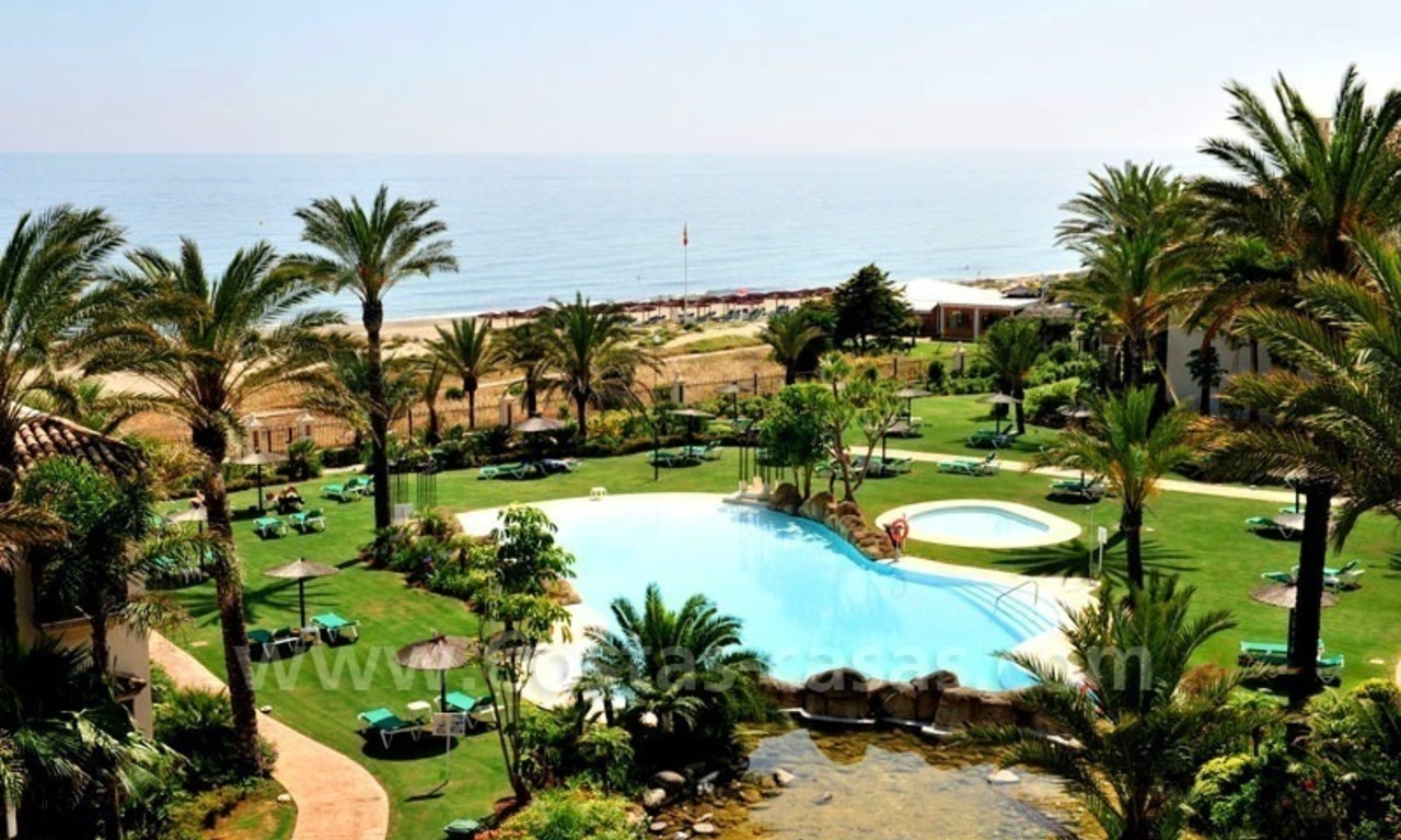 Los Monteros Playa – Marbella: exclusive frontline beach penthouse apartment for sale 0
