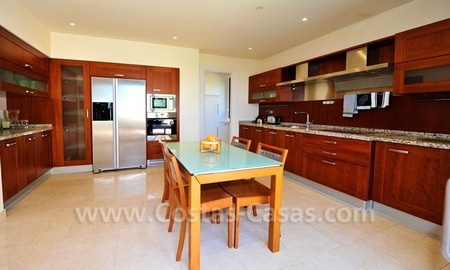 Los Monteros Playa – Marbella: exclusive frontline beach penthouse apartment for sale 18