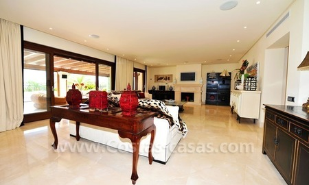 Los Monteros Playa – Marbella: exclusive frontline beach penthouse apartment for sale 13