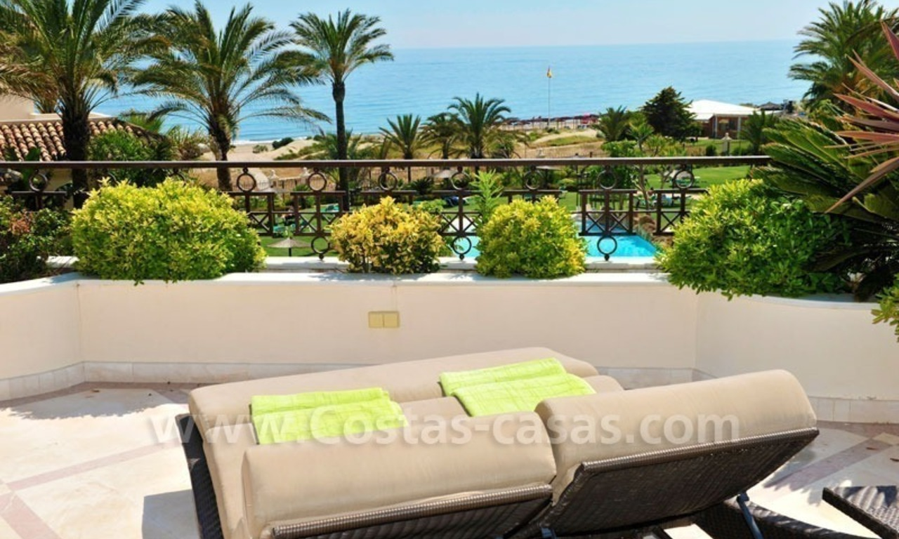 Los Monteros Playa – Marbella: exclusive frontline beach penthouse apartment for sale 3