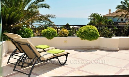 Los Monteros Playa – Marbella: exclusive frontline beach penthouse apartment for sale 4