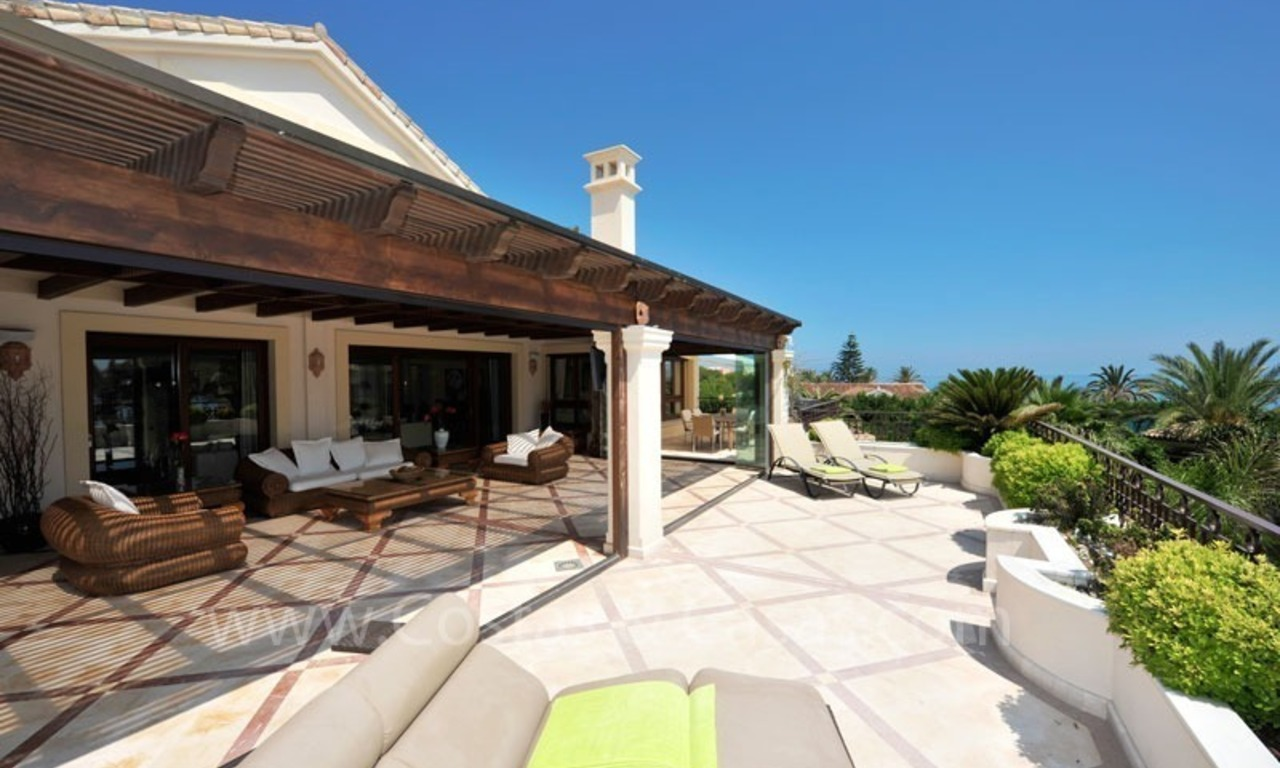 Los Monteros Playa – Marbella: exclusive frontline beach penthouse apartment for sale 5
