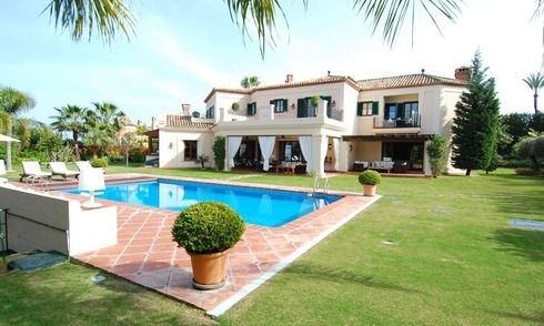 Elegant exclusive villa for sale near Puerto Banus in Marbella