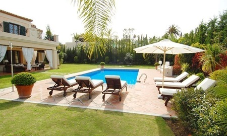 Elegant exclusive villa for sale near Puerto Banus in Marbella 2