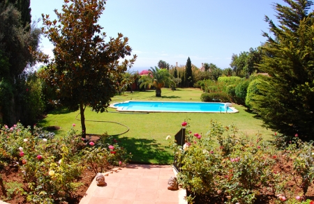 Property for sale in Cascada de Camojan above the Golden Mile in Marbella 4