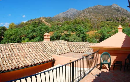 Property for sale in Cascada de Camojan above the Golden Mile in Marbella 22