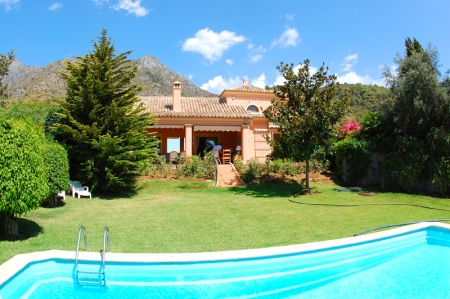Property for sale in Cascada de Camojan above the Golden Mile in Marbella 2