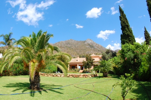 Property for sale in Cascada de Camojan above the Golden Mile in Marbella